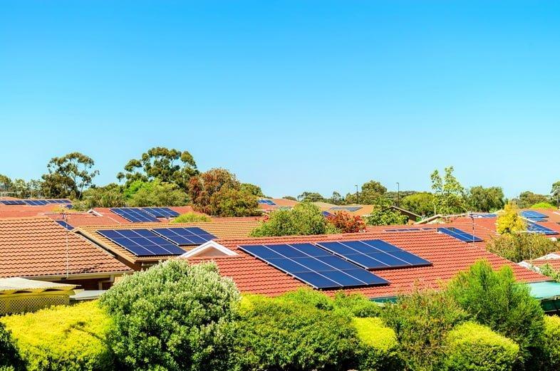 Солнечные панели на крышах в Южной Австралии