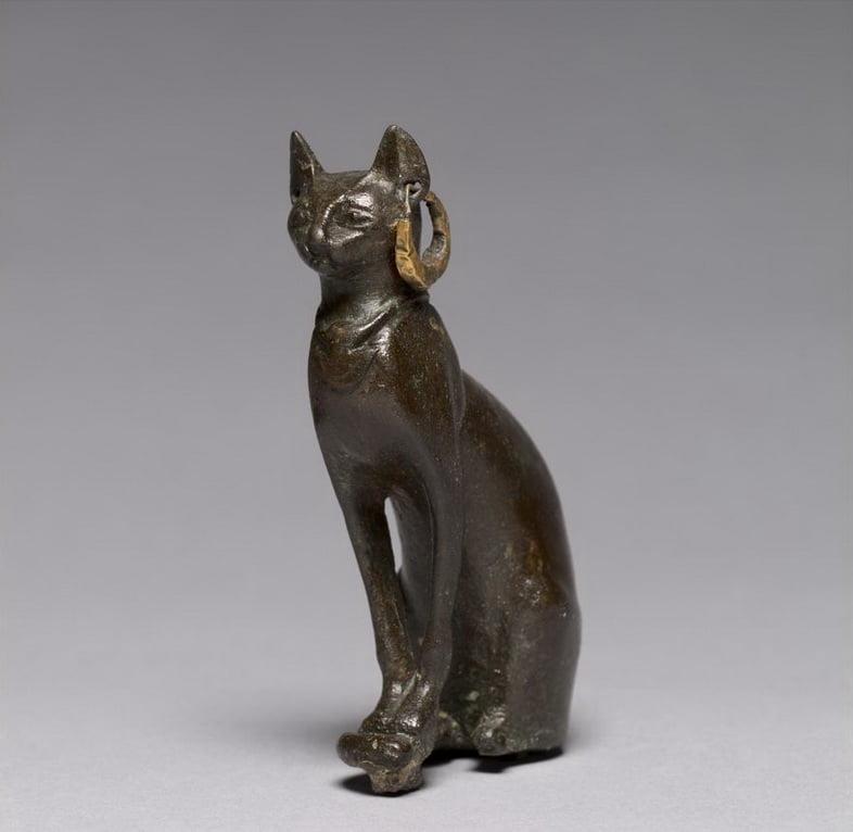 Бронзово-золотой кот, датируемый 664-30 гг. до н.э., Поздний период Египта