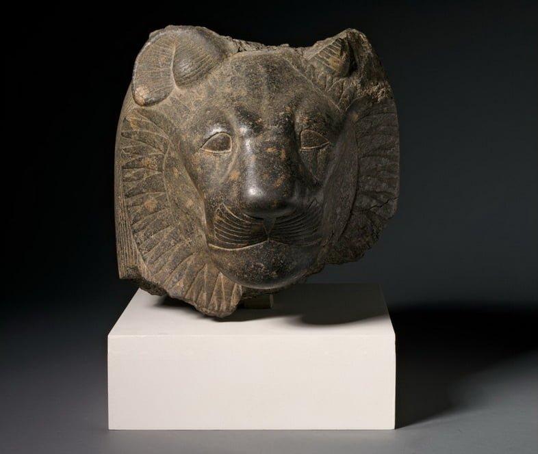 Голова Сехмет, относящаяся к Новому царству Египта
