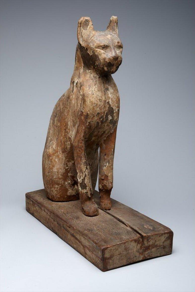 Саркофаг кошки, датируемый Поздним периодом Египта