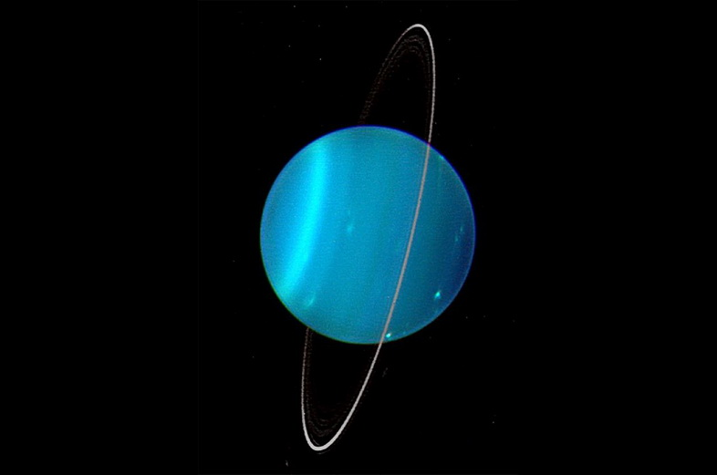 Голубое тело Урана светится, испуская загадочное рентгеновское излучение