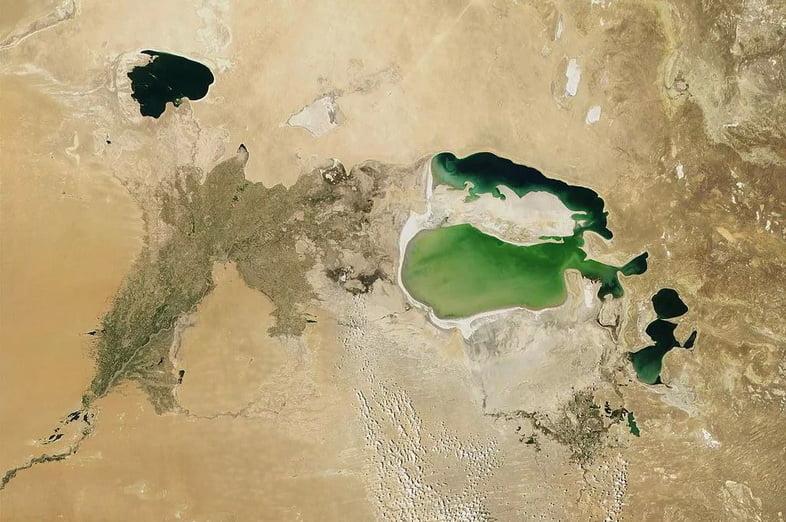 Спутниковые снимки истощающегося Аральского моря