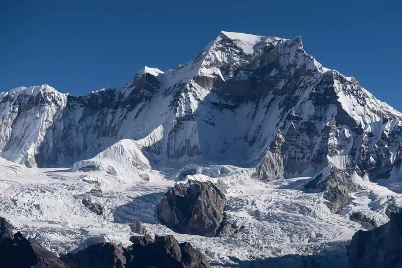 Пик горы Гьячунг-Канг в Непале