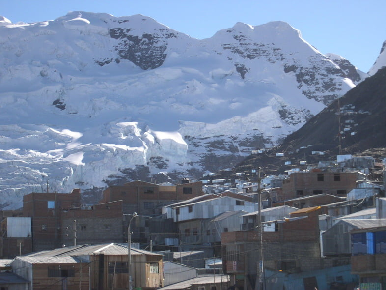 Деревня в тени заснеженных гор, Ла-Ринконада