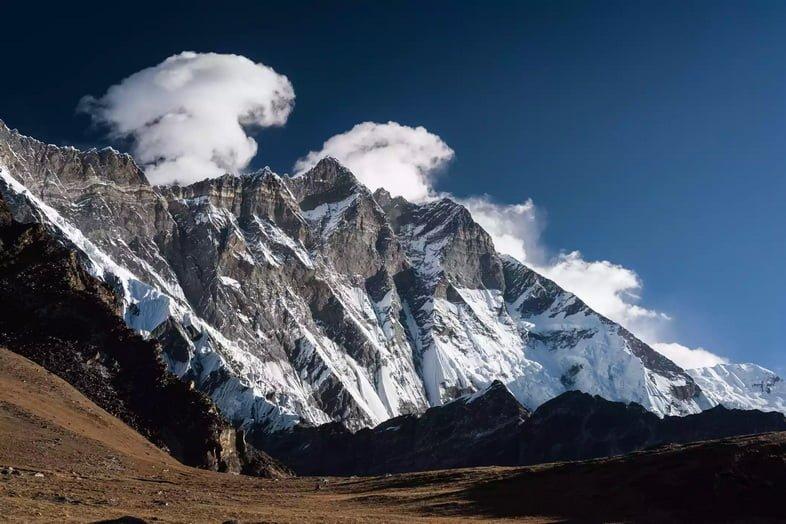 Гора Лхоцзе из Чукунг Ри