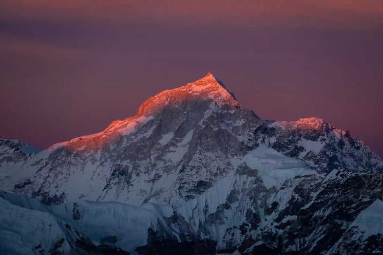 Закат над горной вершиной Макалу