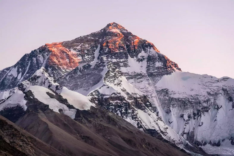 Вид на гору Эверест из Тибета