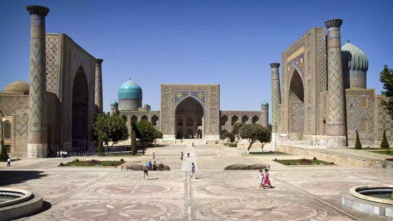 Три медресе на площади Регистан