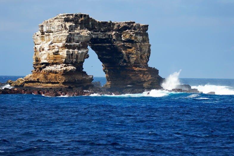 Арка Дарвина, остров Дарвина, Галапагосские острова