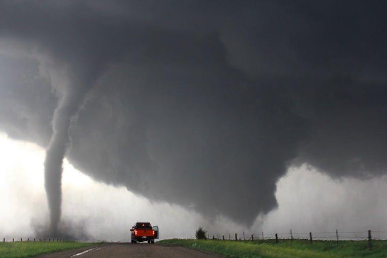 Шторм – двойные торнадо