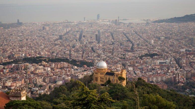 Обсерватория Фабра с видом на Барселону, Испания