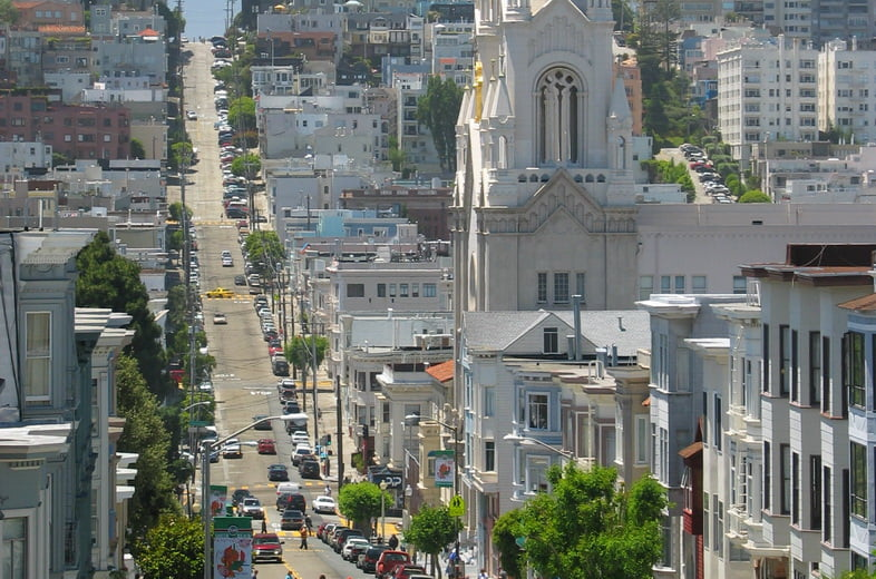 Вид сверху на Филберт-стрит в Сан-Франциско
