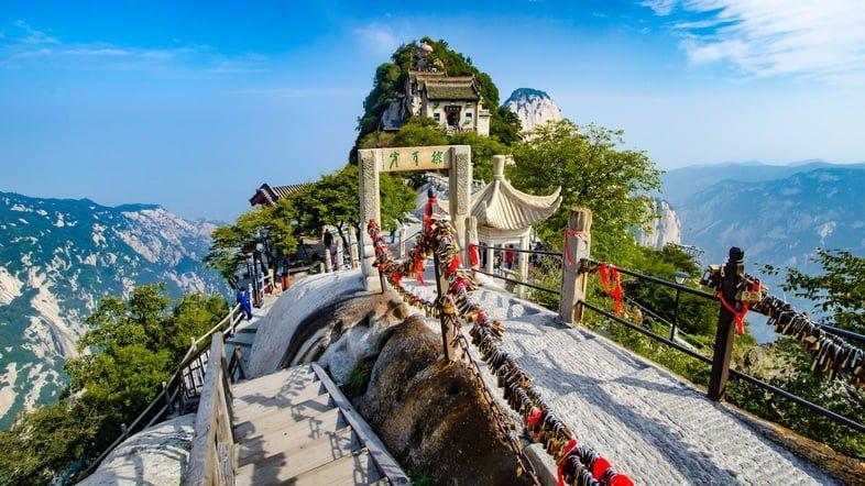 Храм на горе Хуашань
