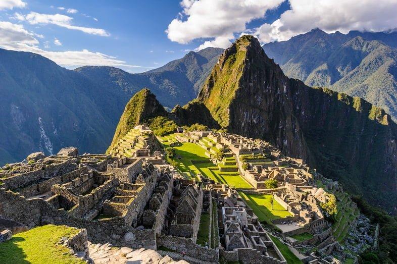 Мачу-Пикчу, перуанский исторический заповедник в 1981 году и объект Всемирного наследия ЮНЕСКО в 1983 году