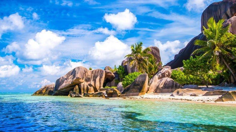 Знаменитый пляж Анс Сурс д'Аржан на острове Ла-Диг, Сейшельские острова