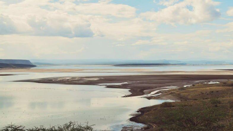 Вид с воздуха на озеро Магади