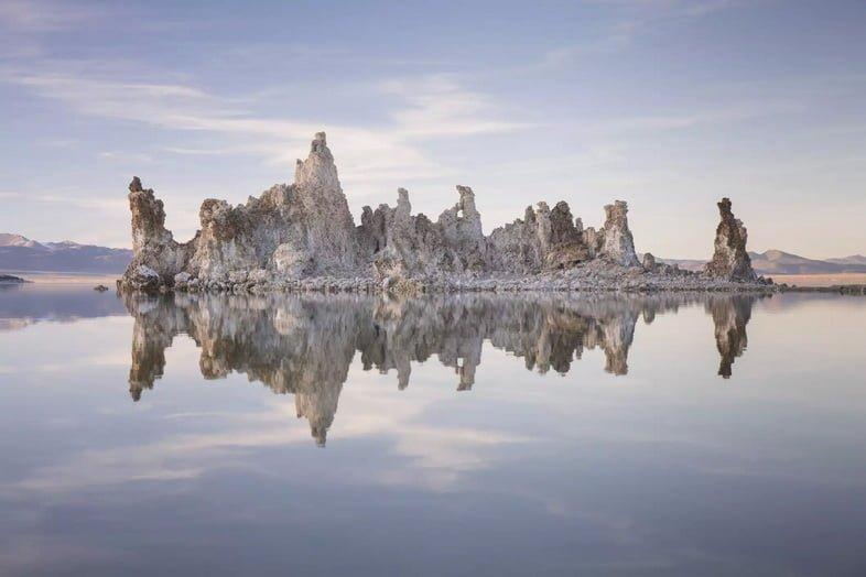 Туфы озера Моно