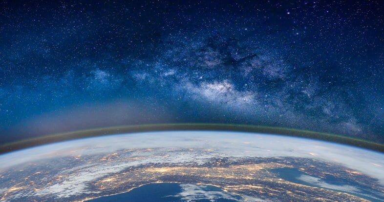Фотография Земли из космоса через объектив «рыбий глаз»