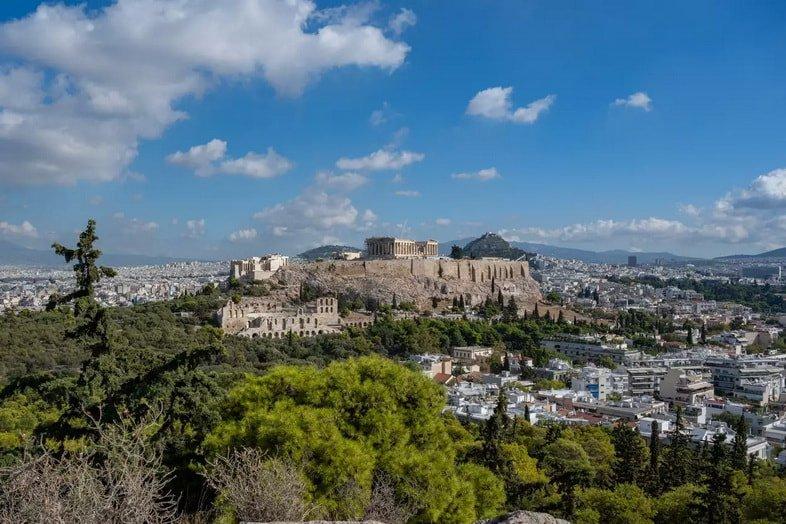 Вид на Акрополь и Парфенон с холма Филопаппа, Афины, Греция
