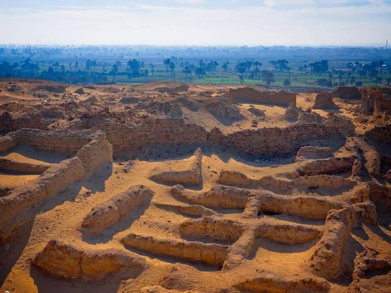 Разрушенные храмы Караниса, Файюмский оазис, Файюм, Египет
