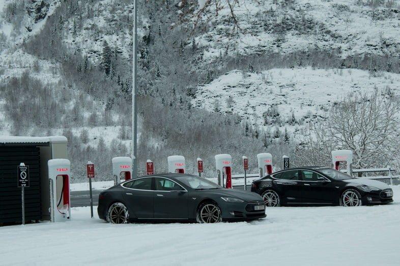 Зарядная станция для электромобилей в Мушёэне, Норвегия